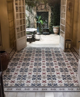 Hall in classic cement tiles floral in Cardiff England, Contemporary stil cement tiles for kitchen in Bristol England, Cimenterie de la Tour