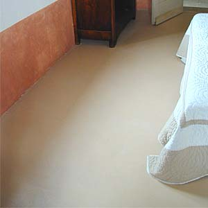 bedroom tinted concrete floor screed