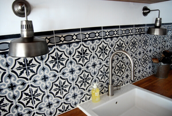 credence with cement tiles