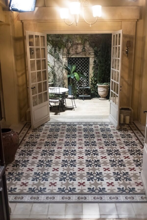 decorate his hall with cement tiles