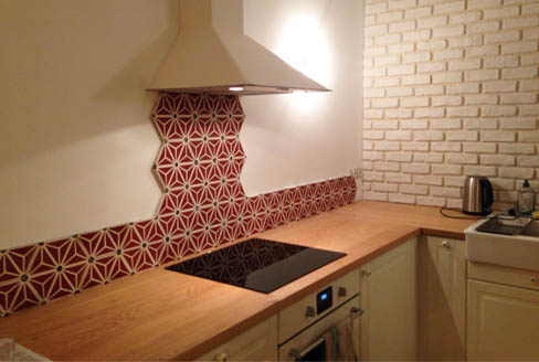 Kitchen credence in cement tiles hexagonal in Bristol England, Contemporary stil cement tiles for kitchen in Bristol England, Cimenterie de la Tour
