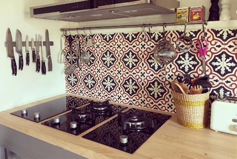 Credence kitchen cement tiles colored in Coventry, Cimenterie de la Tour