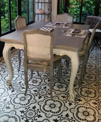 Dining room in cement tiles in Sheffield, Cimenterie de la Tour