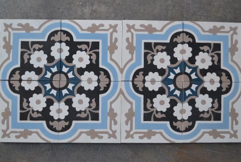 Old and floral cement tiles in Nottingham by Cimenterie de la Tour
